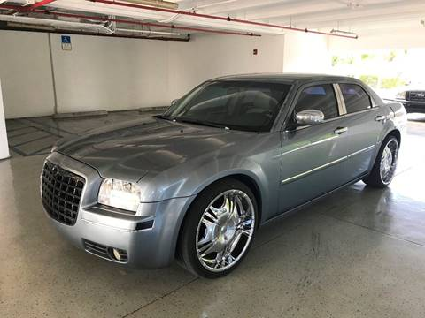 2006 Chrysler 300 for sale at CHASE MOTOR in Miami FL