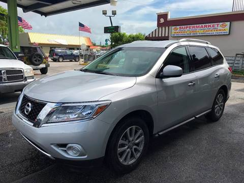 2016 Nissan Pathfinder for sale in Miami, FL