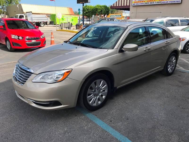 2014 Chrysler 200 for sale at CHASE MOTOR in Miami FL