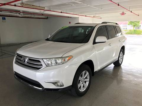 2011 Toyota Highlander for sale at CHASE MOTOR in Miami FL
