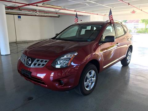 2015 Nissan Rogue Select for sale at CHASE MOTOR in Miami FL
