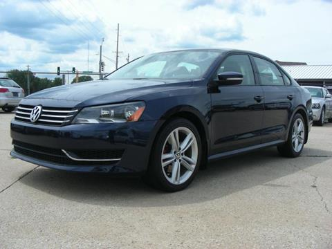 2013 Volkswagen Passat for sale at EURO MOTORS AUTO DEALER INC in Champaign IL