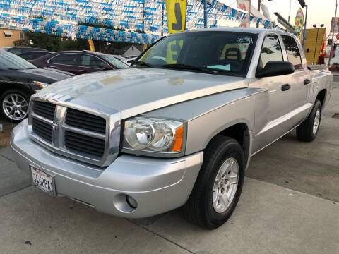 2005 Dodge Dakota for sale at Plaza Auto Sales in Los Angeles CA