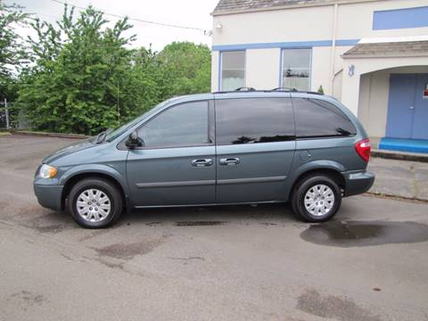 2006 Chrysler Town and Country for sale in Milwaukie, OR