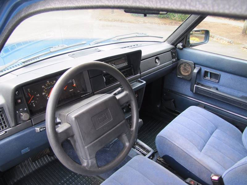 1990 Volvo 240 DL 4dr Sedan - Milwaukie OR