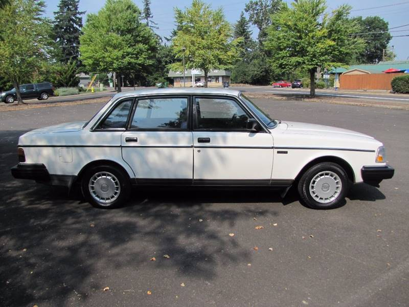 1987 Volvo 240 DL 4dr Sedan - Milwaukie OR
