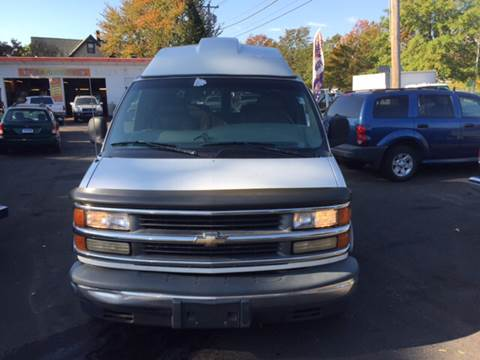 2000 Chevrolet Express Passenger for sale in North Haven, CT