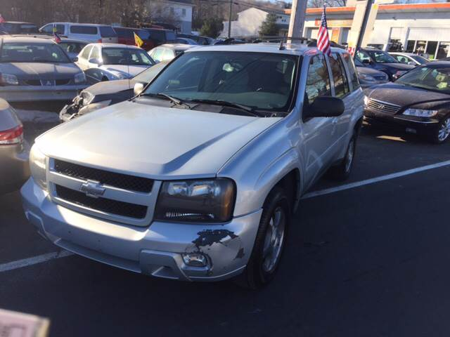 2008 Chevrolet TrailBlazer 4x4 LT1 4dr SUV - North Haven CT