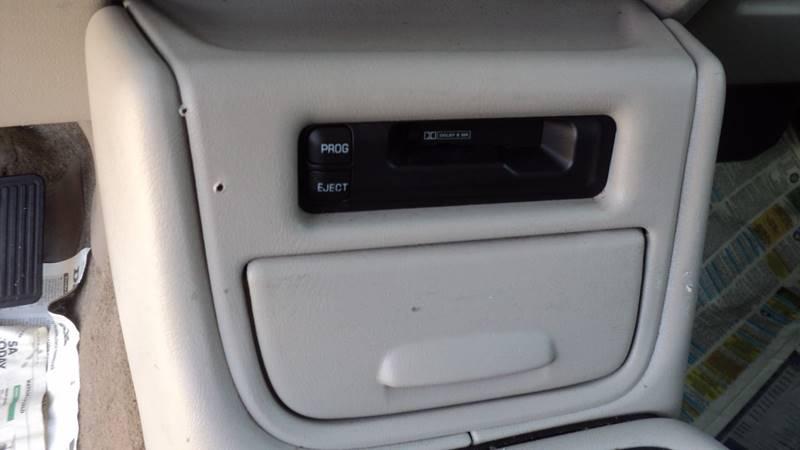 2002 Chevrolet Suburban 2500 LT 4WD 4dr SUV - La Follette TN