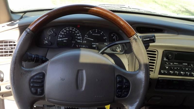 2000 Lincoln Navigator 4dr 4WD SUV - La Follette TN