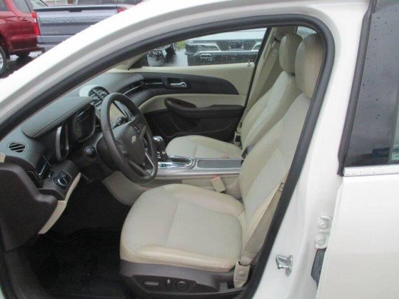 2013 Chevrolet Malibu LT (image 12)
