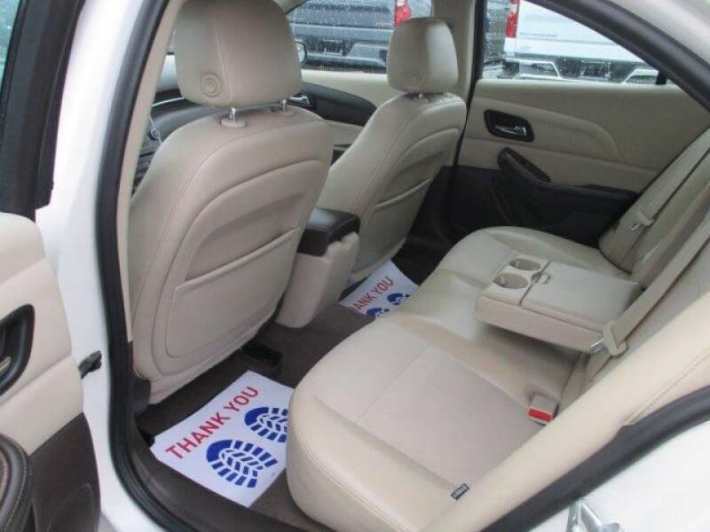 2013 Chevrolet Malibu LT (image 10)