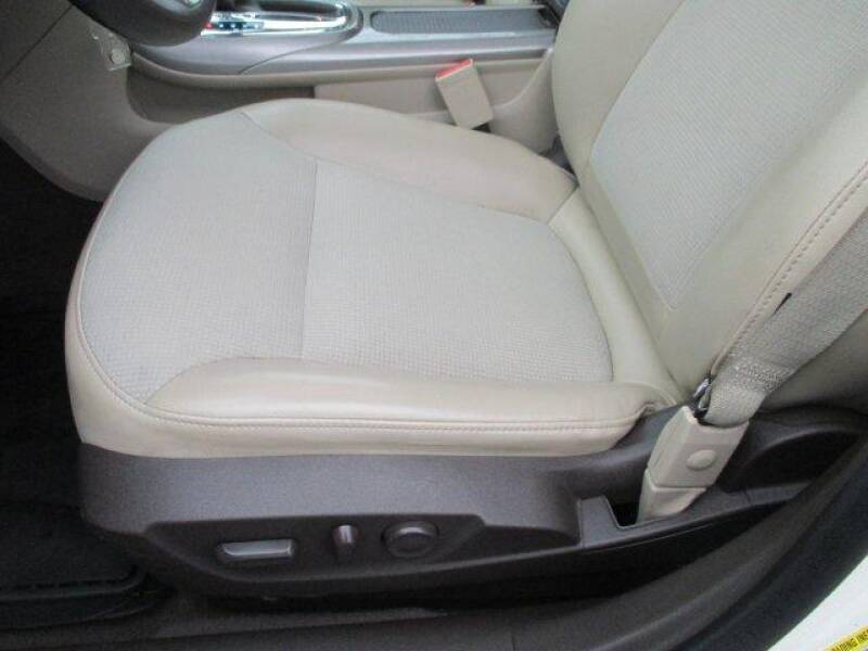 2013 Chevrolet Malibu LT (image 13)