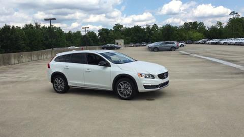 2017 Volvo V60 Cross Country for sale in Berwyn PA