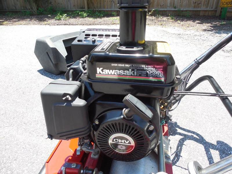 2011 TORO GREENSMASTER 1000 W/GROOMER  & NEW 11 BLADE REEL NYLON BRUSH GROOMER - Rutherfordton NC