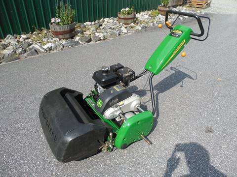 2004 John Deere 220B WALK GREENS MOWER