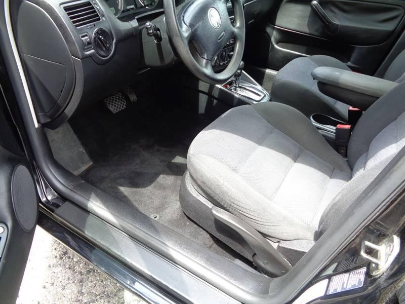 2004 Volkswagen Jetta GLS 4dr Sedan - North Benton OH
