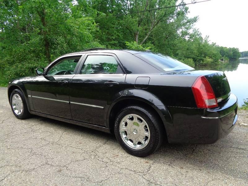 2007 Chrysler 300 Touring 4dr Sedan - North Benton OH