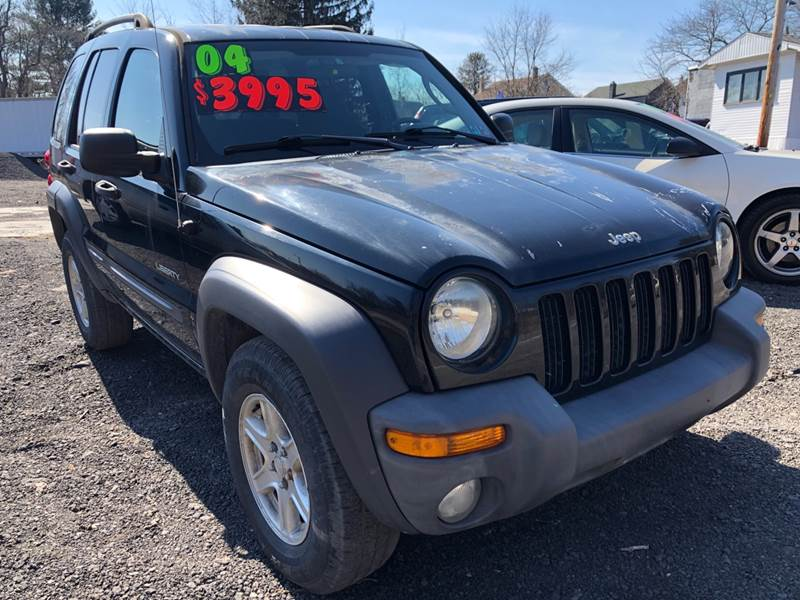 2004 Jeep Liberty for sale at Car Man Auto in Old Forge PA