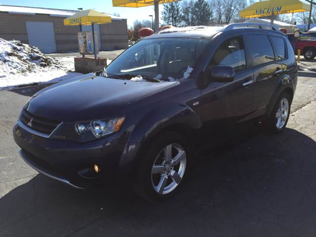 2008 Mitsubishi Outlander for sale at Nonstop Motors in Indianapolis IN