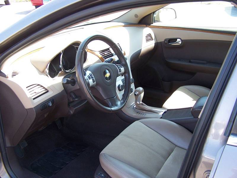 2010 Chevrolet Malibu LT 4dr Sedan w/2LT - Savage MN