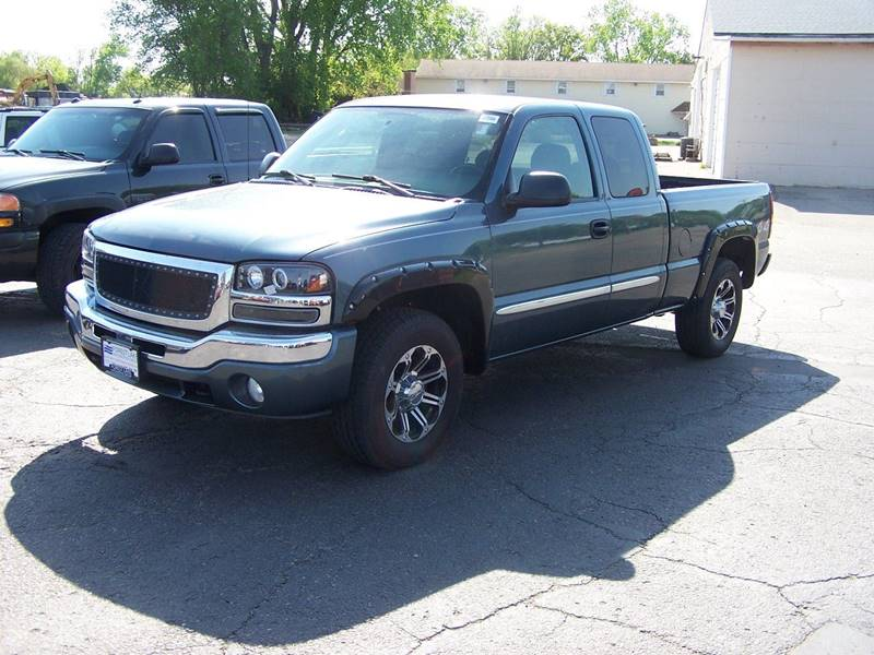 2006 GMC Sierra 1500 SLE1 4dr Extended Cab 4WD 6.5 ft. SB - Savage MN