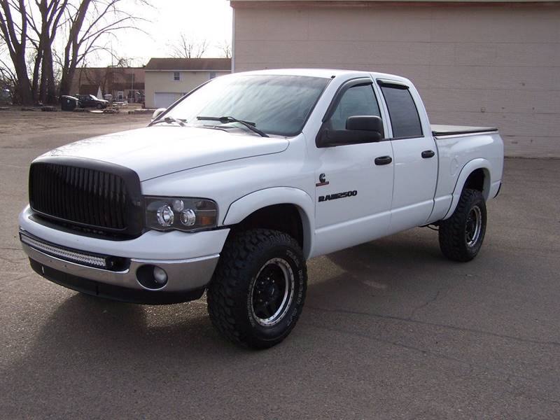 2004 Dodge Ram Pickup 2500 4dr Quad Cab ST 4WD SB - Savage MN