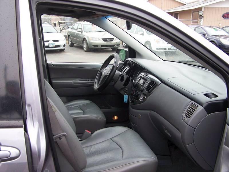 2004 Mazda MPV LX 4dr Mini-Van - Savage MN