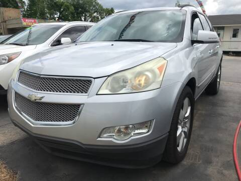 2009 Chevrolet Traverse for sale at BEST AUTO SALES in Russellville AR