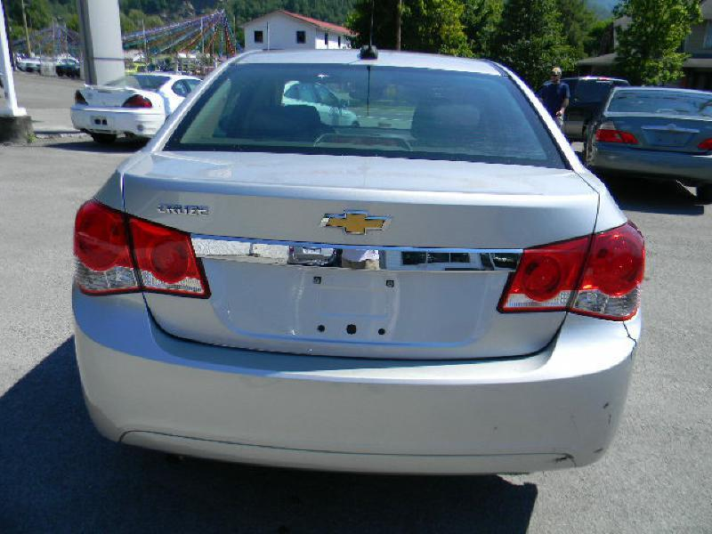 2015 Chevrolet Cruze LS Manual 4dr Sedan w/1SA - Big Stone Gap VA