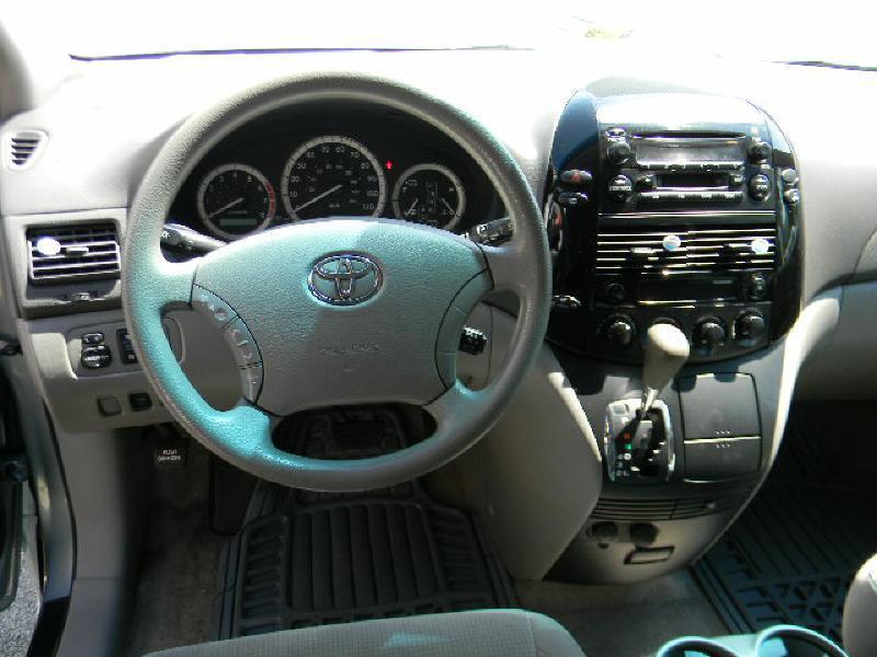2005 Toyota Sienna CE 7-Passenger 4dr Mini-Van - Big Stone Gap VA