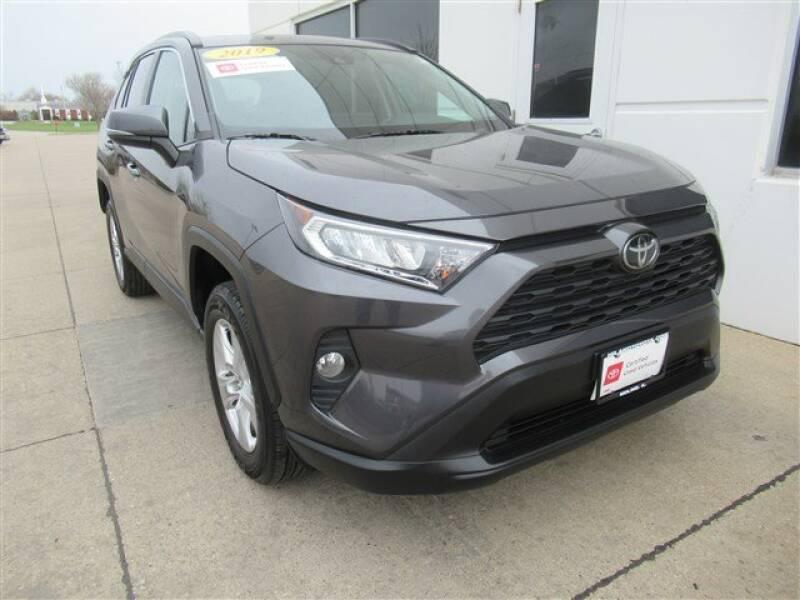2019 Toyota RAV4 XLE (image 32)