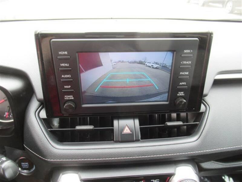 2019 Toyota RAV4 XLE (image 21)
