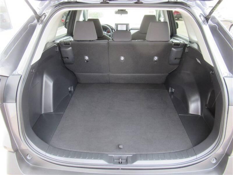 2019 Toyota RAV4 XLE (image 26)