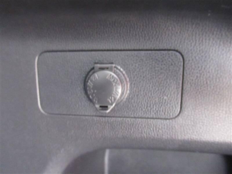 2019 Toyota RAV4 XLE (image 27)