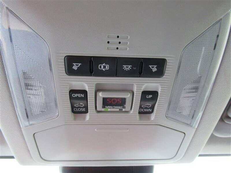 2019 Toyota RAV4 XLE (image 10)