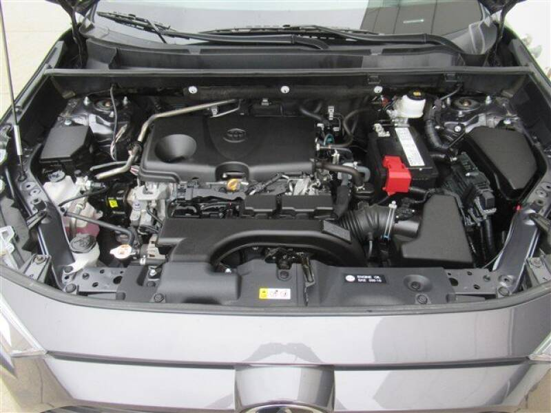 2019 Toyota RAV4 XLE (image 28)