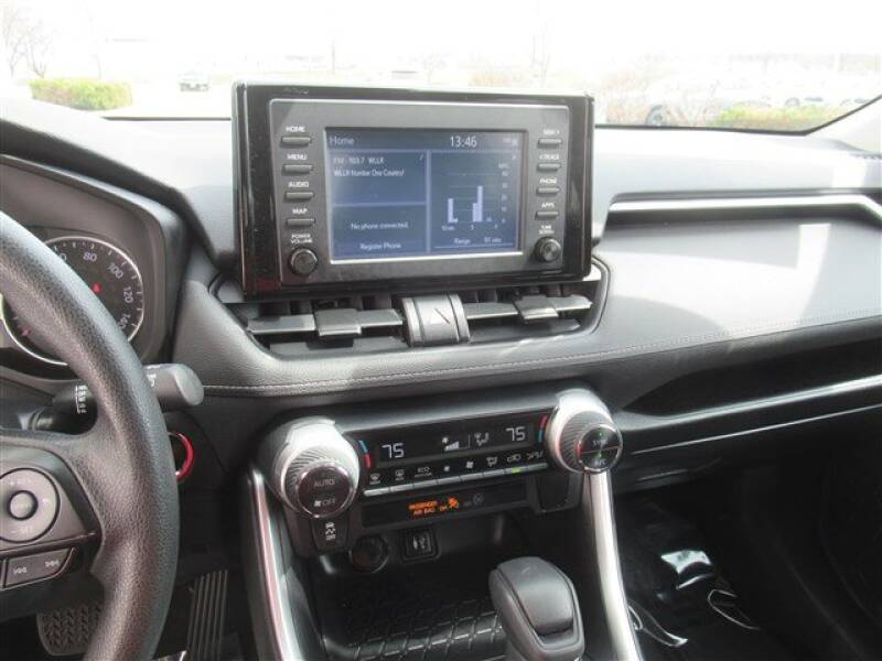 2019 Toyota RAV4 XLE (image 20)