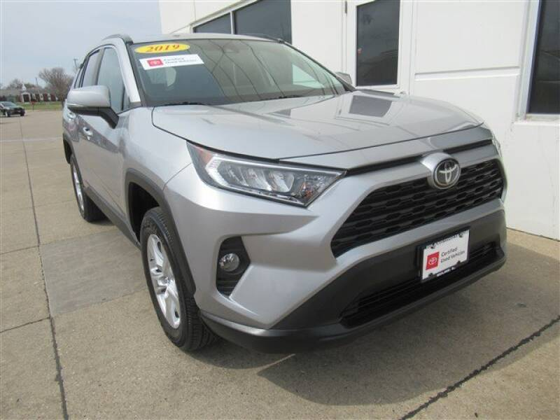 2019 Toyota RAV4 XLE (image 33)