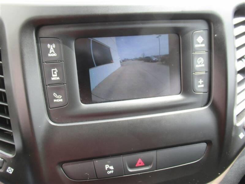 2017 Jeep Cherokee Latitude (image 23)