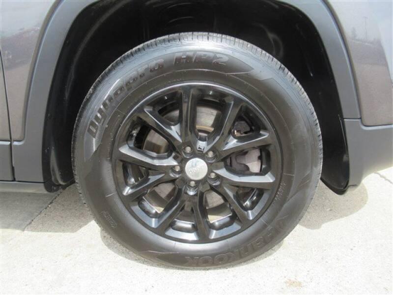 2017 Jeep Cherokee Latitude (image 31)