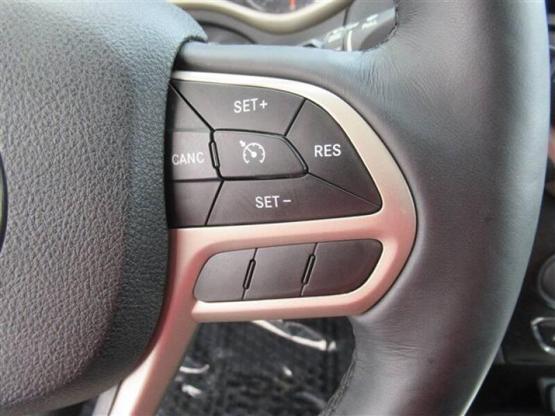 2017 Jeep Cherokee Latitude (image 16)
