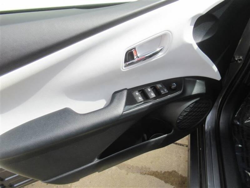 2017 Toyota Prius Four (image 9)