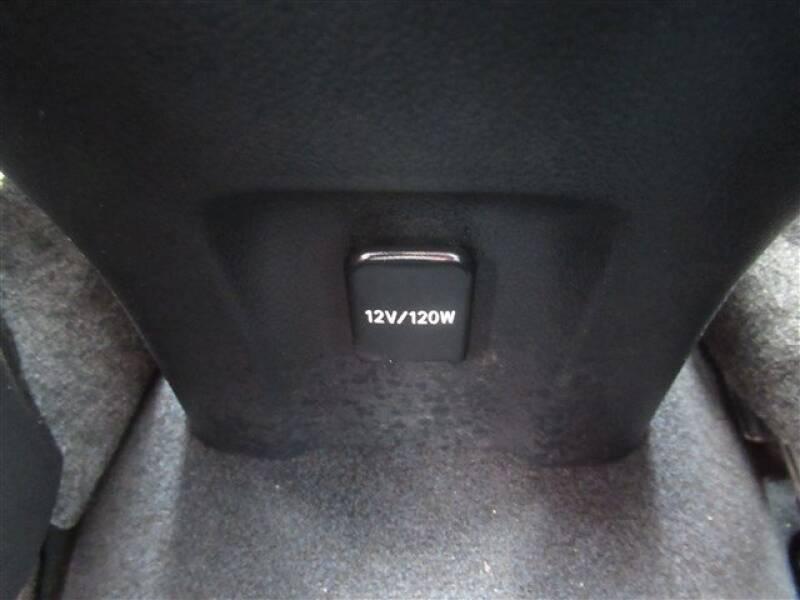 2017 Toyota Prius Four (image 4)