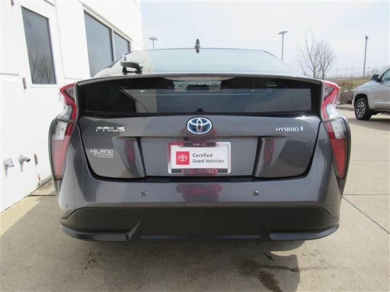2017 Toyota Prius Four (image 35)