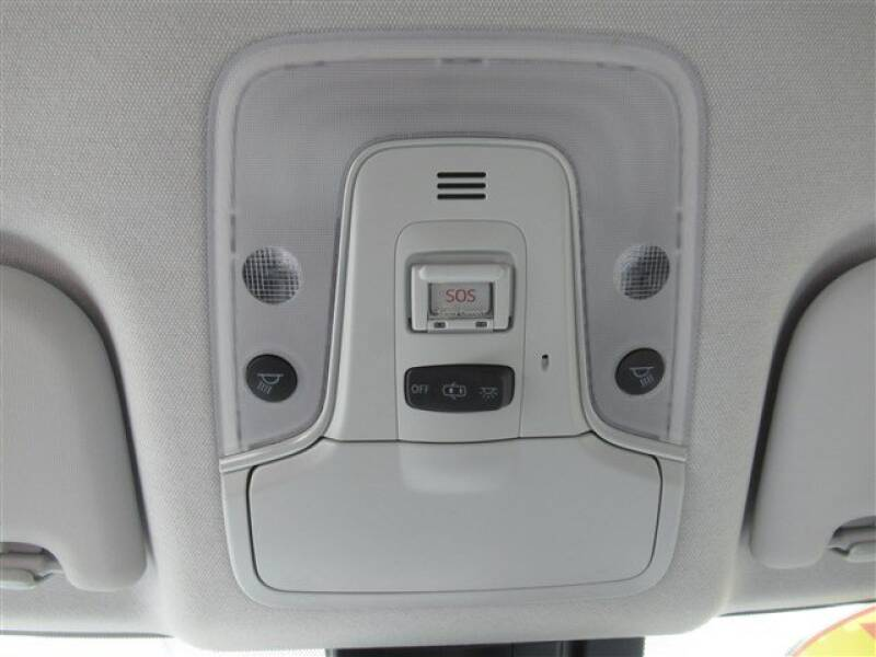 2017 Toyota Prius Four (image 10)