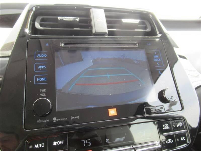 2017 Toyota Prius Four (image 22)