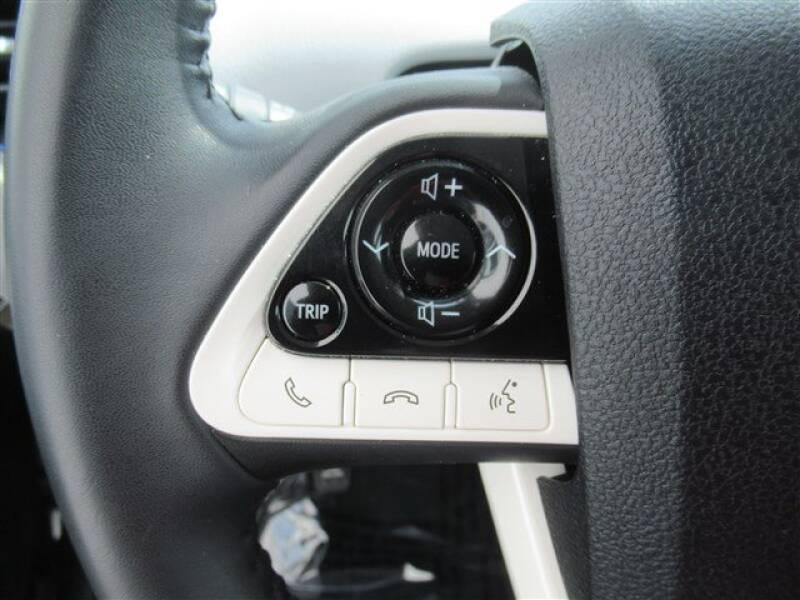 2017 Toyota Prius Four (image 14)