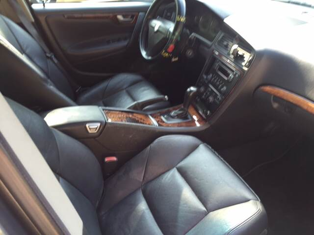 2005 Volvo S60 4dr 2.5T Turbo Sedan - Upland CA