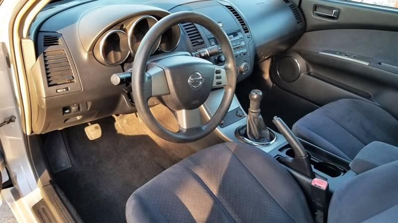 2006 nissan altima 2 5 s 4dr sedan w manual in palm springs fl rh primeautocenterfl com nissan altima 2006 manual pdf nissan altima 2006 2.5 manual